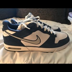 Nike size 13 Air Sellwood Sneakers